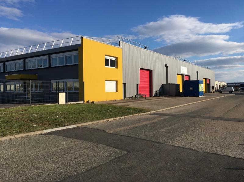 Locaux d'activité - 9 Avenue du Maréchal de Lattre de Tassigny - 69330 Meyzieu - Photo 1