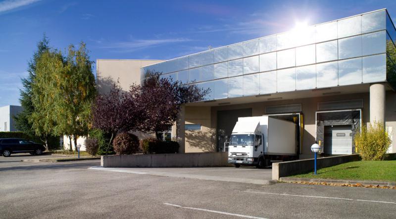 Locaux d'activité - 90 Rue de Palverne - 01700 Miribel Les Echets - Photo 1