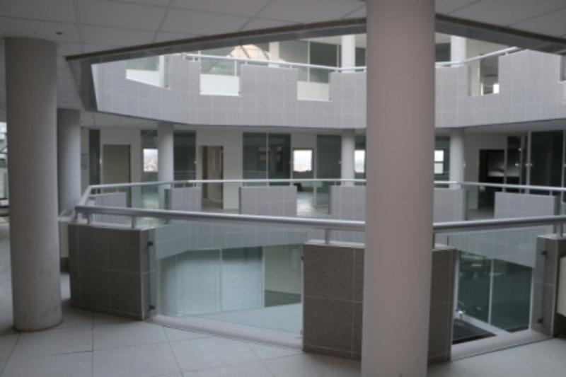 Immeuble de Bureaux - BUREAUX Chemin de la Plaine - 01120 Montuel - Photo 1