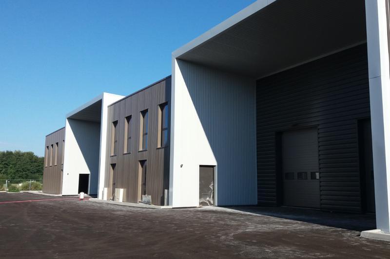 Locaux d'activité - CAP & CO - ZAC des Prés Seigneurs - Rue des Valets - 01120 Montluel - Immeuble le Quadrant - Photo 1