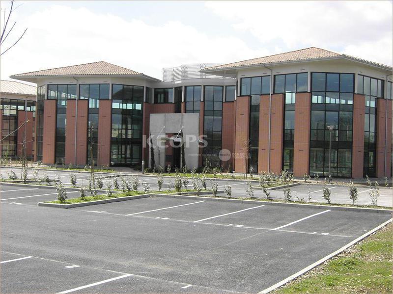 Location bureaux toulouse 31300 2 265m for Location garage toulouse 31300