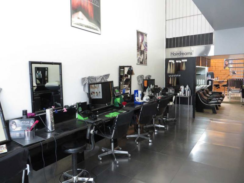 Vente locaux commerciaux lyon 6eme arrondissement 69006 for Salon de coiffure africain lyon