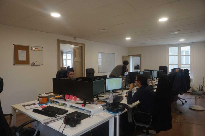 A LOUER, Idéal Start-up, agence de communication - Photo 1