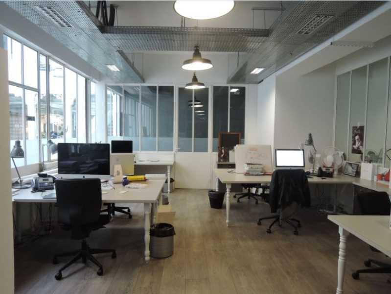 location bureaux paris 10 75010 500m2. Black Bedroom Furniture Sets. Home Design Ideas