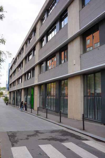 A LOUER, Immeuble d'excellent standing - Photo 1