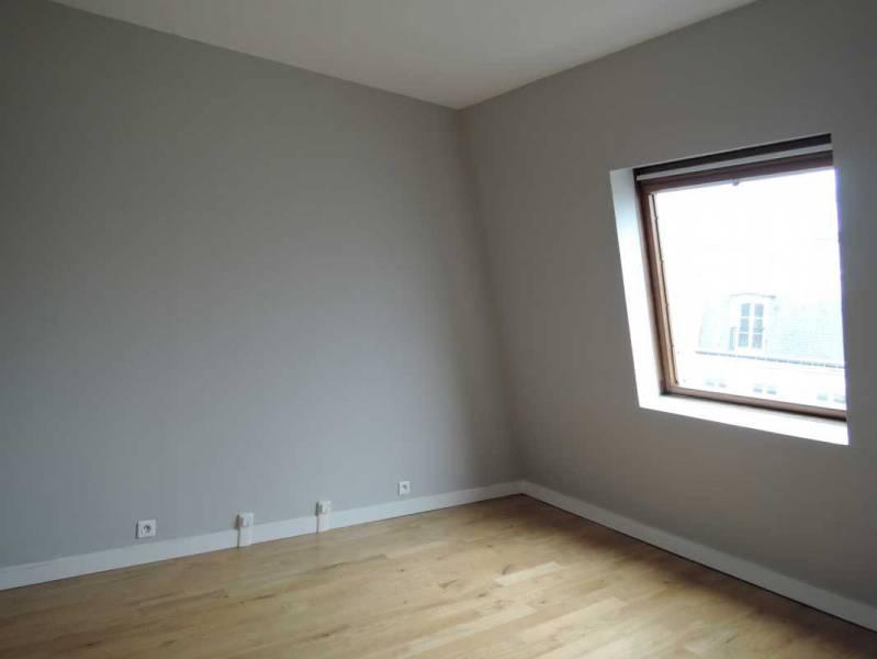 location bureaux paris 75001 33m2. Black Bedroom Furniture Sets. Home Design Ideas