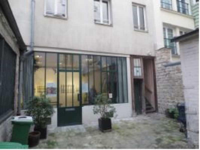 Vente locaux commerciaux paris 75011 65m2 for Locaux commerciaux atypiques paris