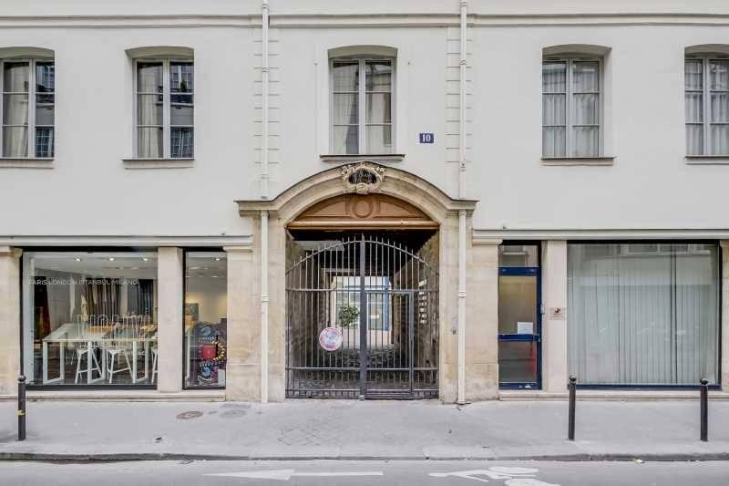 Location bureaux paris 75011 136m2 for Surfaces atypiques paris