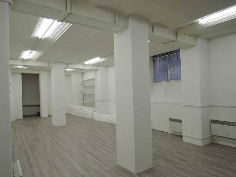 Location bureaux paris 75002 84m2 for Surfaces atypiques paris