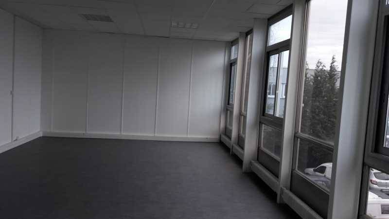 location bureaux morangis 91420 87m2. Black Bedroom Furniture Sets. Home Design Ideas