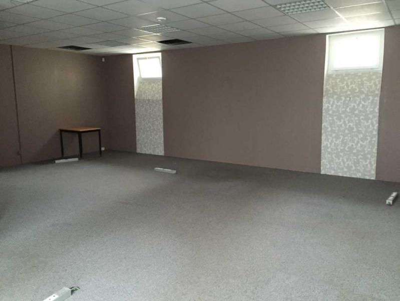 Location bureaux paris 75005 208m2 for Surface atypique paris