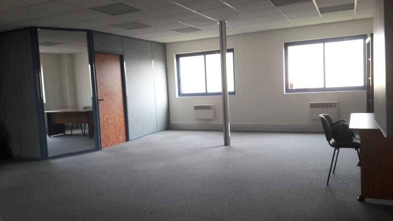 Location bureaux lisses 91090 79m2 - Bureau de change a proximite ...