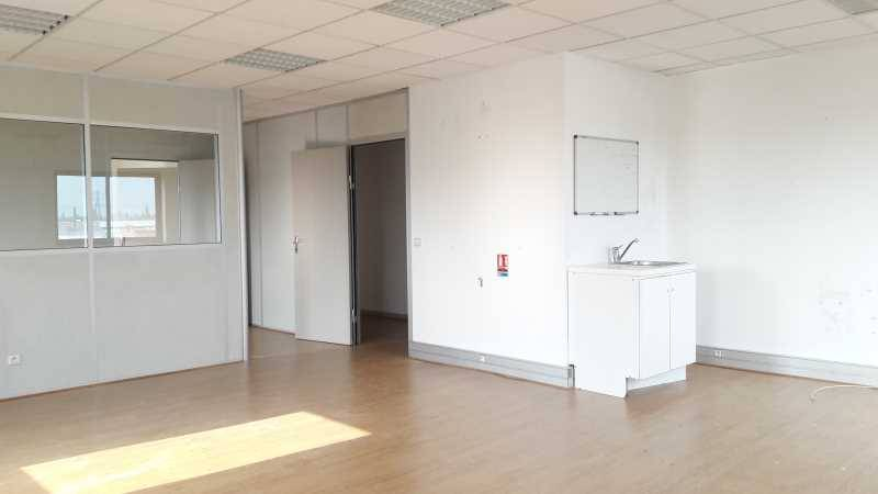 location bureaux lisses 91090 79m2. Black Bedroom Furniture Sets. Home Design Ideas