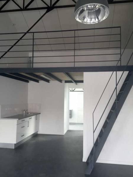 Location vente bureaux arcueil 94110 52m2 for Vente surfaces atypiques