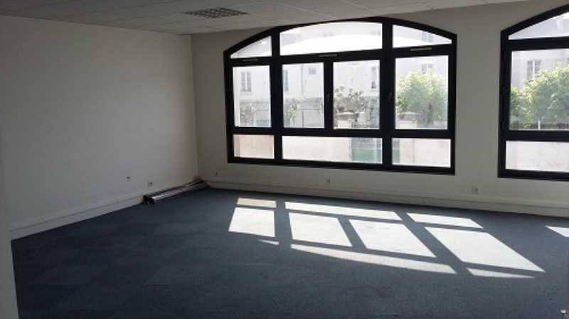 location bureaux saint maur des fosses 94100 360m2. Black Bedroom Furniture Sets. Home Design Ideas