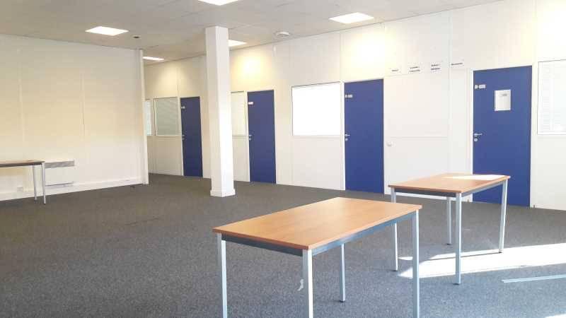 location bureaux saint michel sur orge 91240 227m2. Black Bedroom Furniture Sets. Home Design Ideas