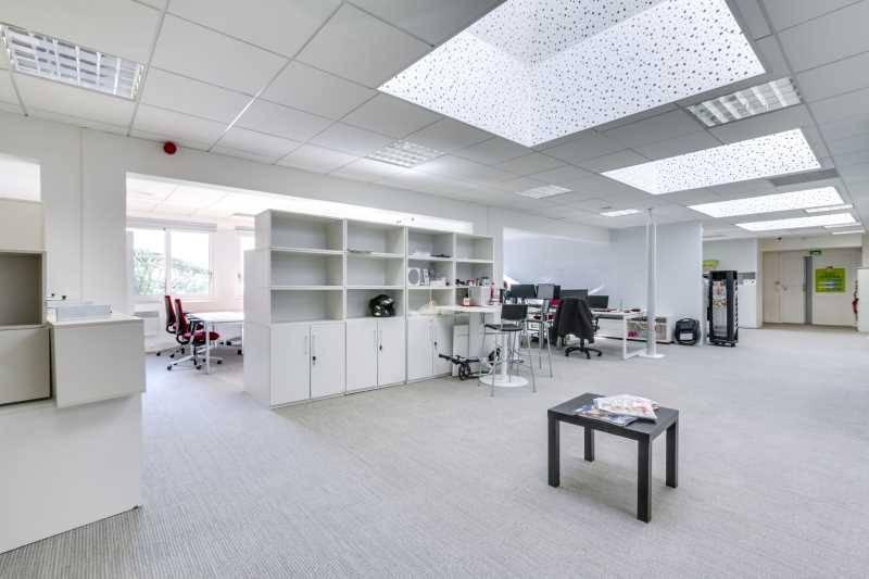 location bureaux paris 75015 764m2. Black Bedroom Furniture Sets. Home Design Ideas