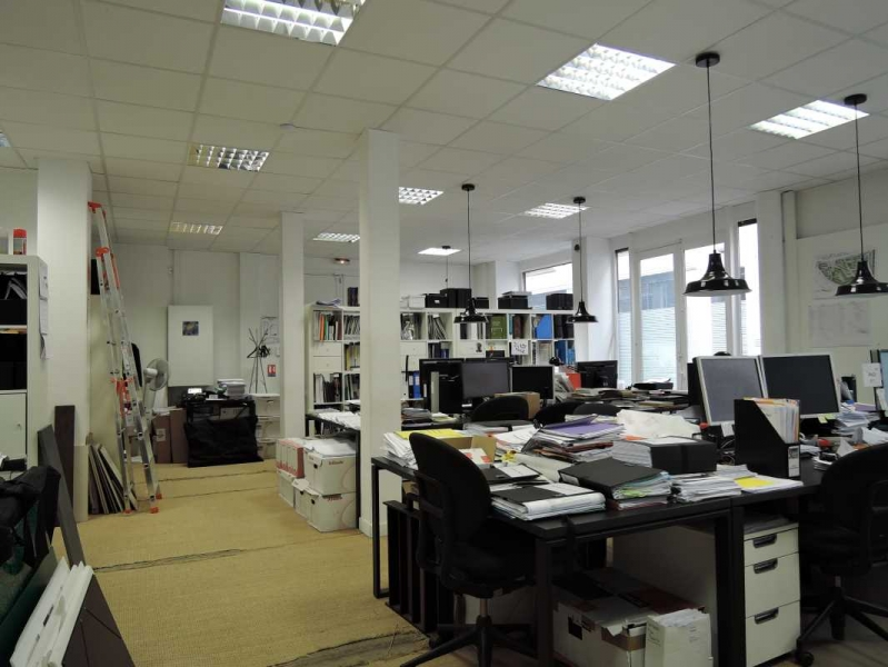 location bureaux paris 75012 150m2. Black Bedroom Furniture Sets. Home Design Ideas