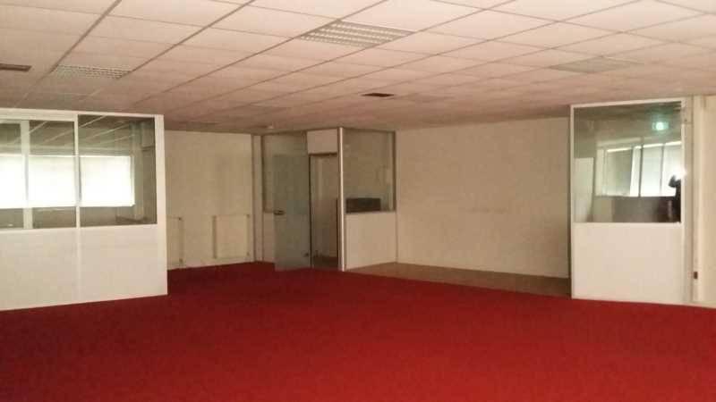 location bureaux courcouronnes 91080 335m2. Black Bedroom Furniture Sets. Home Design Ideas