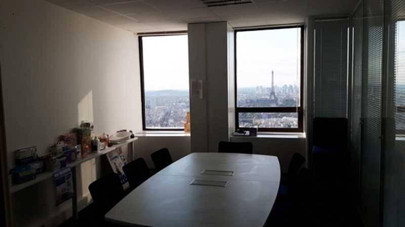 Etage élevé - Vue Tour Eiffel - Photo 1