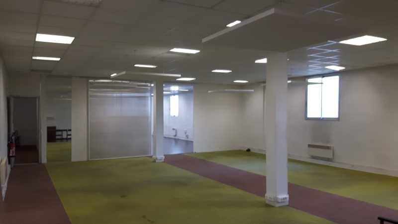 location bureaux paris 75014 310m2. Black Bedroom Furniture Sets. Home Design Ideas