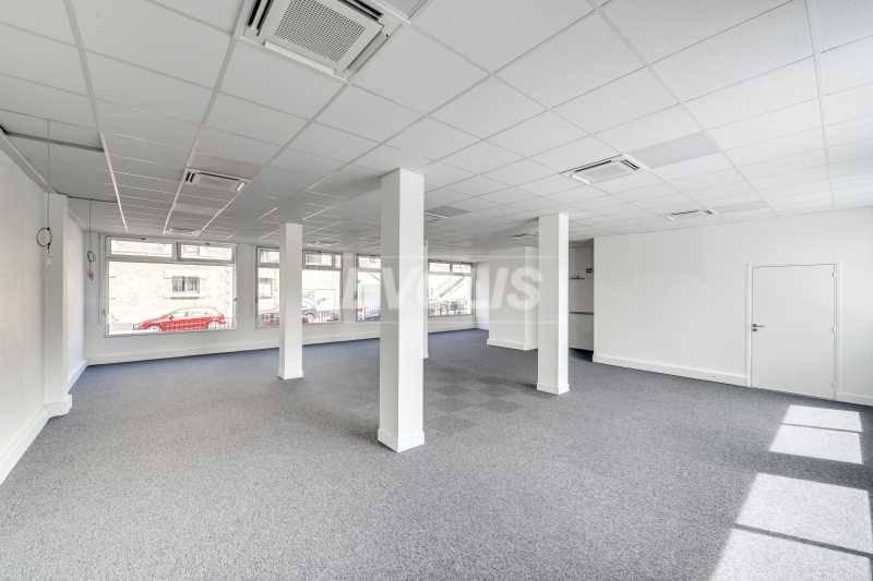 Location bureaux issy les moulineaux 92130 638m2 - Hauteur sous plafond reglementaire ...