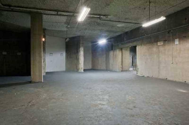 location vente locaux d 39 activit s saint cloud 92210 520m2. Black Bedroom Furniture Sets. Home Design Ideas