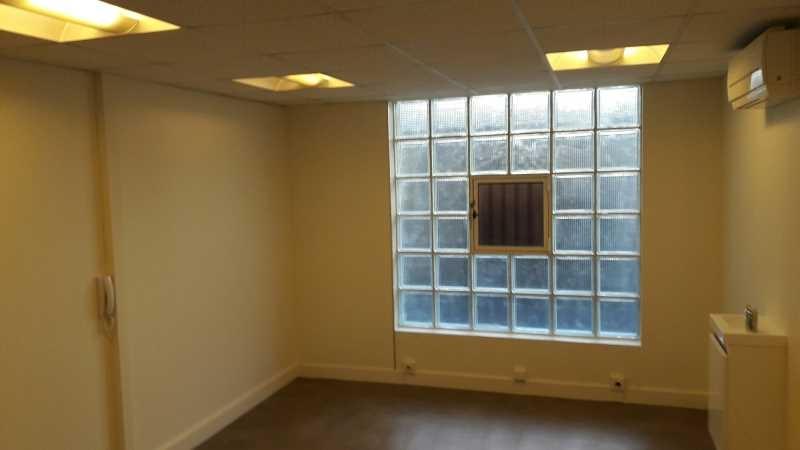 location bureaux pantin 93500 84m2. Black Bedroom Furniture Sets. Home Design Ideas