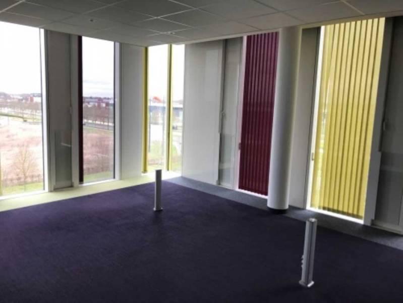location bureaux lieusaint 77127 231m2. Black Bedroom Furniture Sets. Home Design Ideas