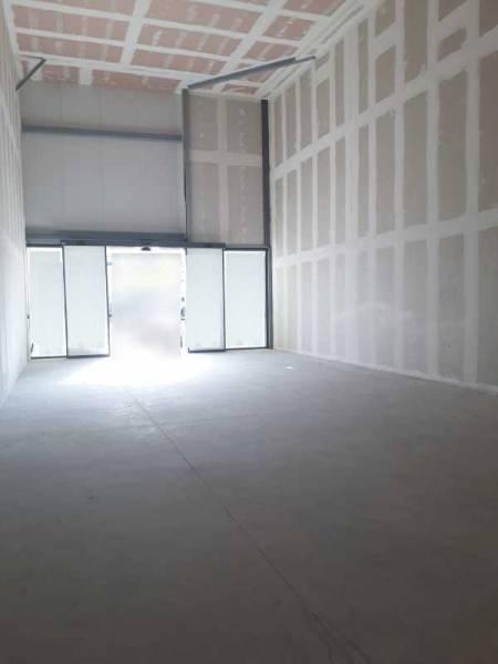 location commerces sainte genevi ve des bois 91700 100m2. Black Bedroom Furniture Sets. Home Design Ideas