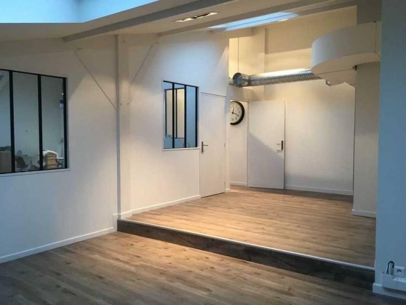 location bureaux rueil malmaison 92500 150m2. Black Bedroom Furniture Sets. Home Design Ideas