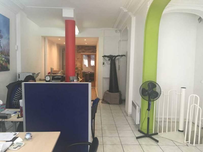 Location bureaux paris 75009 150m2 for Surfaces atypiques paris