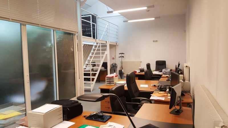 location bureaux courbevoie 92400 170m2. Black Bedroom Furniture Sets. Home Design Ideas
