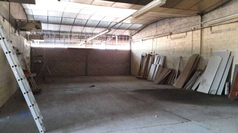 Location bureaux vitry sur seine 94400 550m2 - Hauteur minimale sous plafond ...