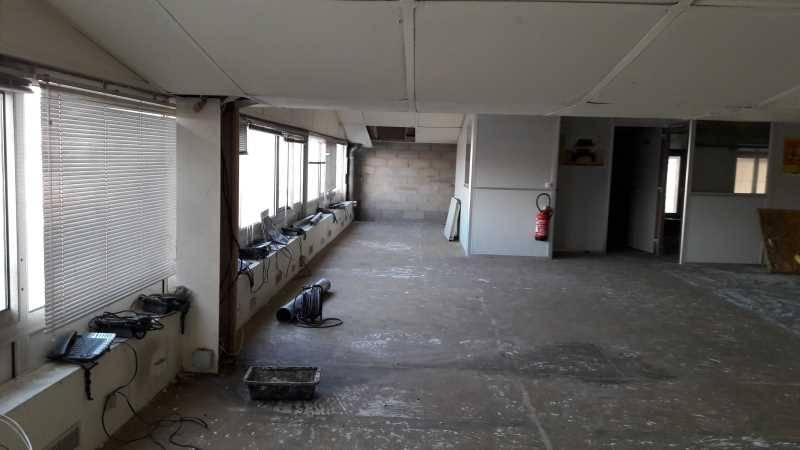 location bureaux locaux d 39 activit s vitry sur seine 94400 550m2. Black Bedroom Furniture Sets. Home Design Ideas