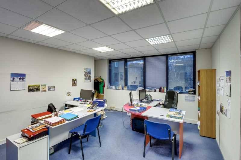 vente bureaux locaux d 39 activit s vanves 92170 400m2. Black Bedroom Furniture Sets. Home Design Ideas