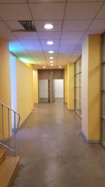 location locaux commerciaux paris 75007 347m2. Black Bedroom Furniture Sets. Home Design Ideas
