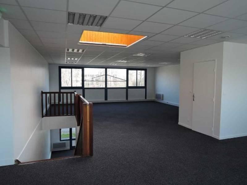 location bureaux locaux d 39 activit s croissy beaubourg 77183 210m2. Black Bedroom Furniture Sets. Home Design Ideas