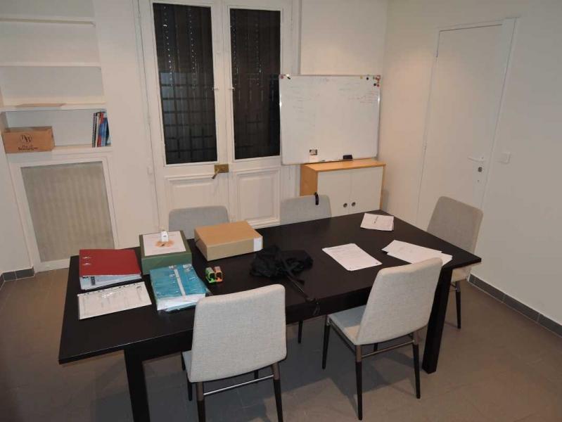 location bureaux locaux commerciaux paris 75007 65m2. Black Bedroom Furniture Sets. Home Design Ideas