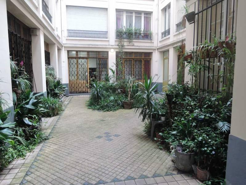 location bureaux paris 18 75018 60m2. Black Bedroom Furniture Sets. Home Design Ideas