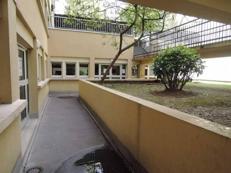 Location bureaux paris 75018 80m2 for Jardin 75018