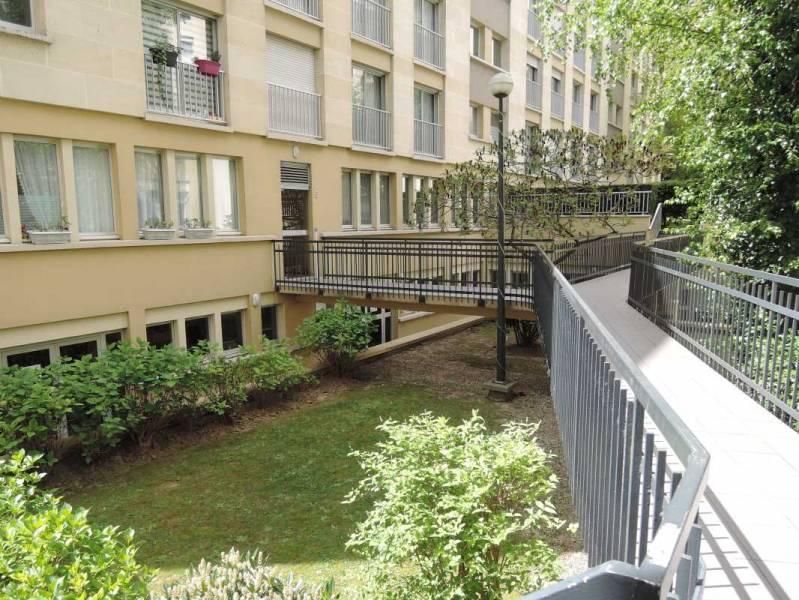Location bureaux paris 18 75018 80m2 for Jardin 75018