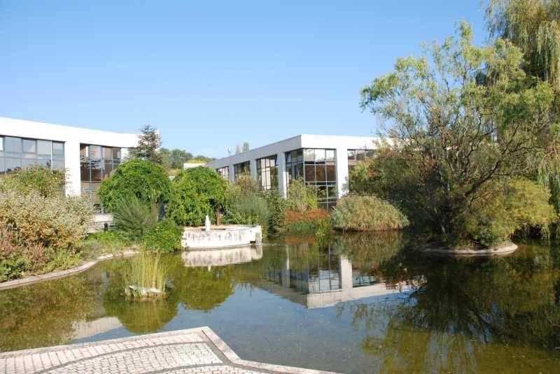 Location bureaux guyancourt 78280 1 277m2 for Parc des yvelines