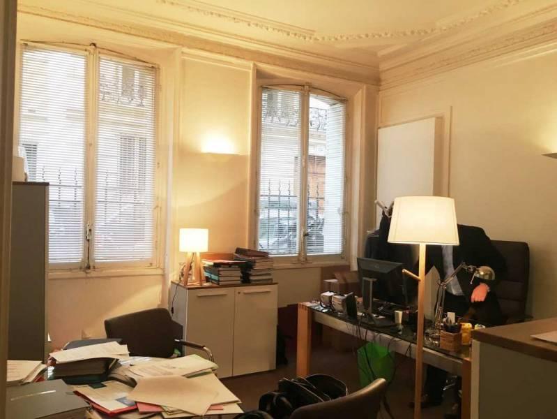 location bureaux paris 75008 181m2. Black Bedroom Furniture Sets. Home Design Ideas