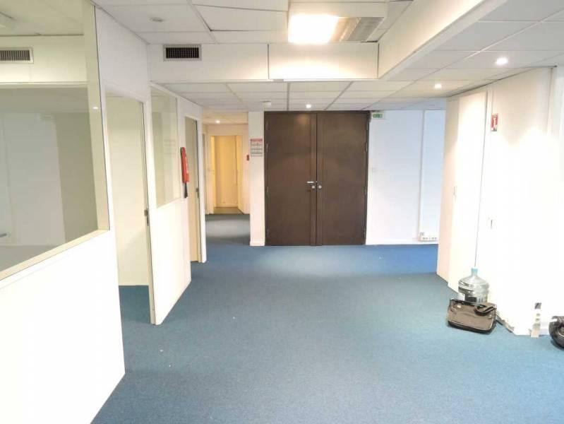 vente bureaux saint cloud 92210 193m2. Black Bedroom Furniture Sets. Home Design Ideas