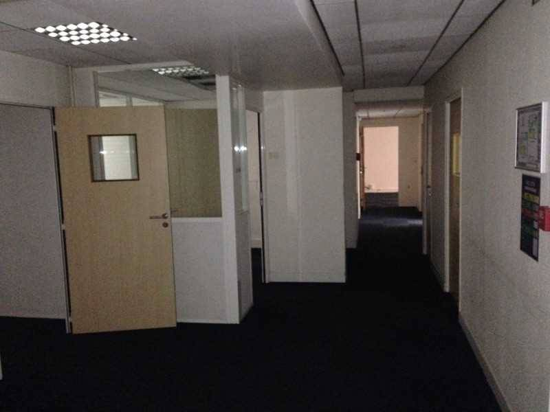 location bureaux locaux commerciaux paris 75015 432m2. Black Bedroom Furniture Sets. Home Design Ideas