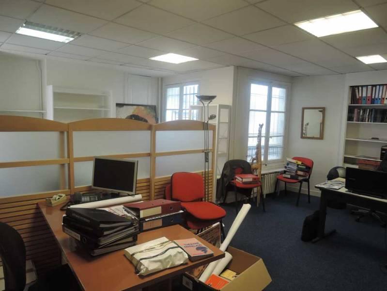 Location bureaux paris 75009 38m2 for Location bureau atypique paris