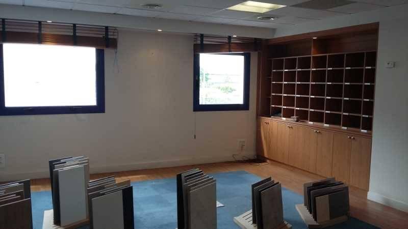 location bureaux locaux d 39 activit s sainte genevieve des. Black Bedroom Furniture Sets. Home Design Ideas