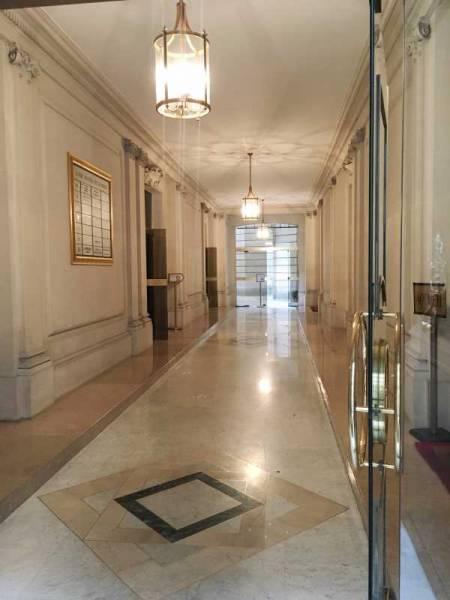 location bureaux paris 75017 40m2. Black Bedroom Furniture Sets. Home Design Ideas