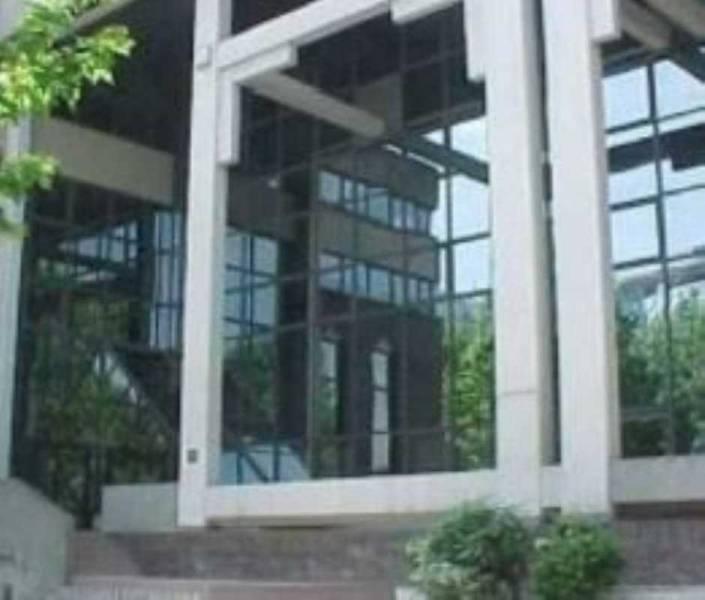 Surface de bureaux rénovés au pied du CCial d'Ivry